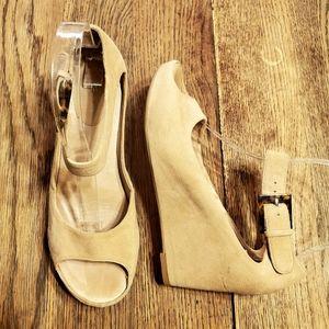 Johnston & Murphy Tricia Ankle Strap Sandal